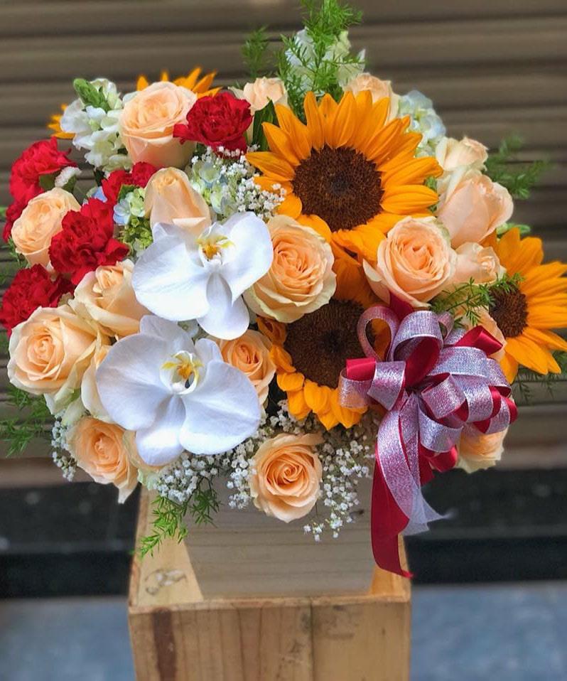 Hộp hoa tươi HHT19