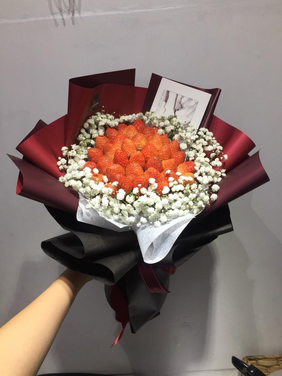 Bó hoa dâu tây 03