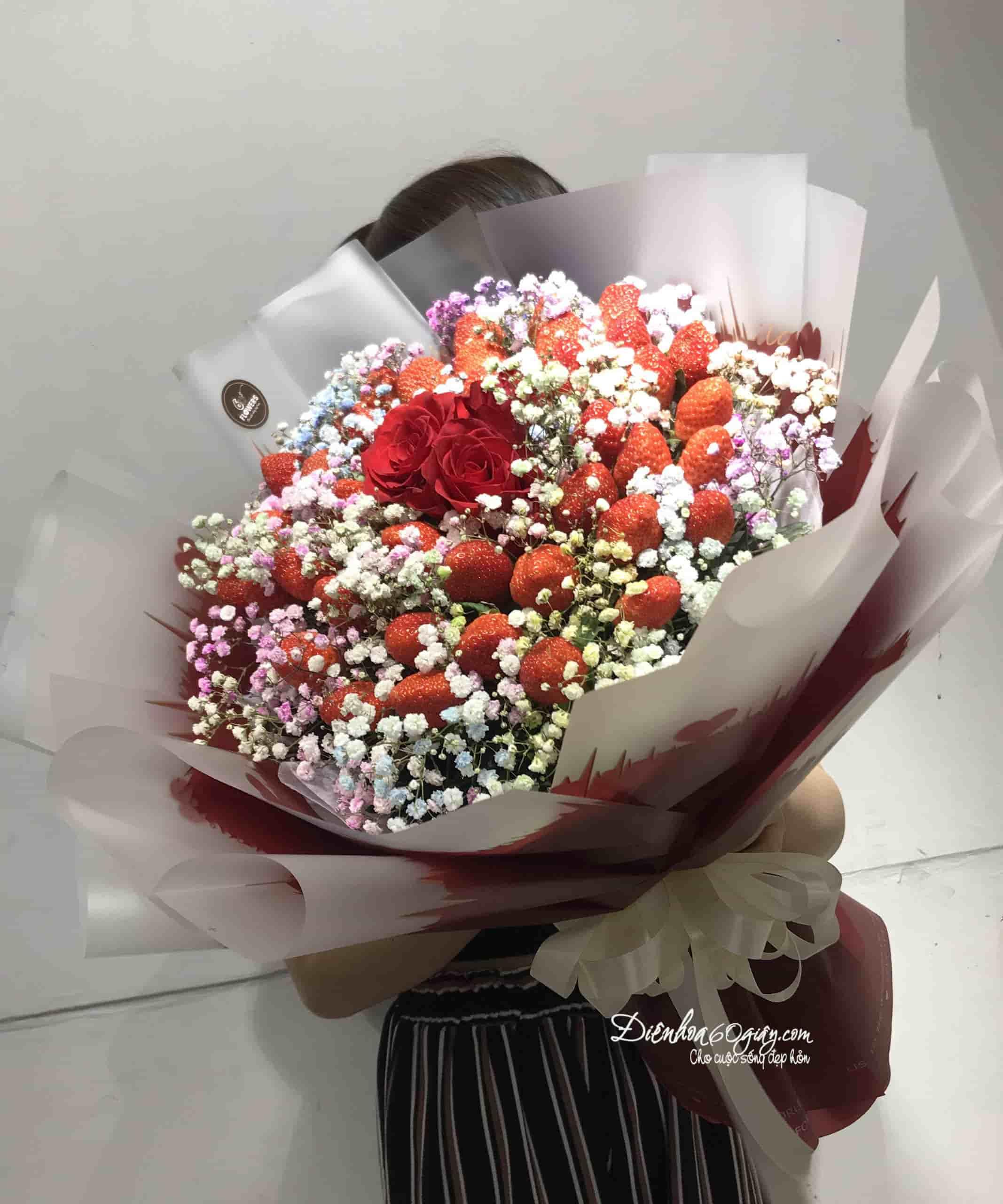 Bó hoa dâu tây 36