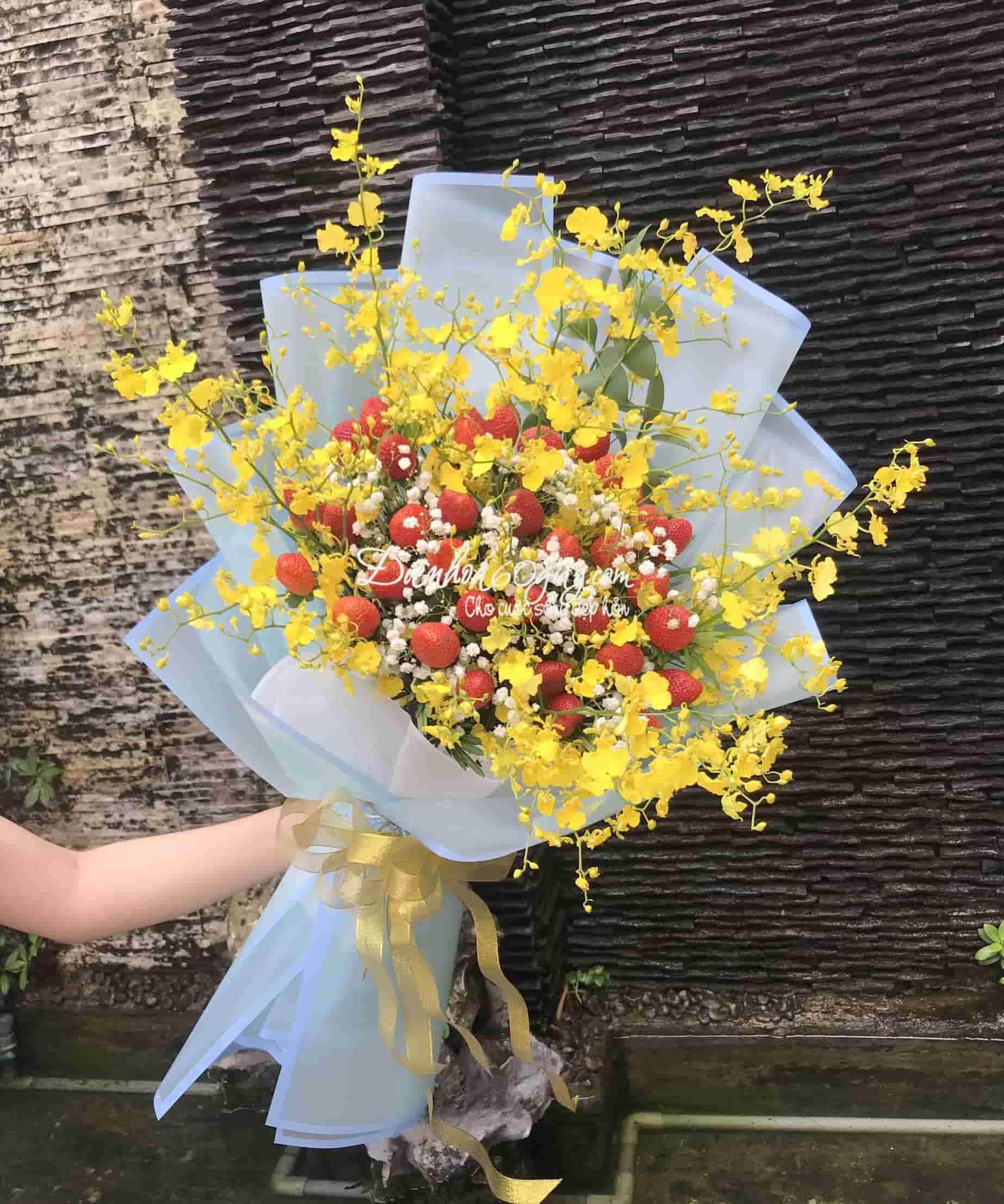 Bó hoa dâu tây 35
