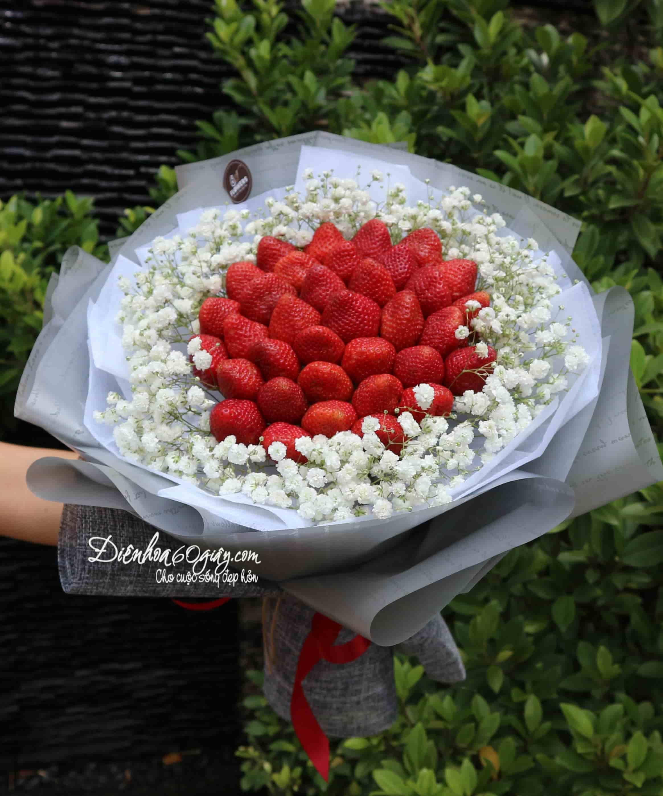 Bó hoa dâu tây 30
