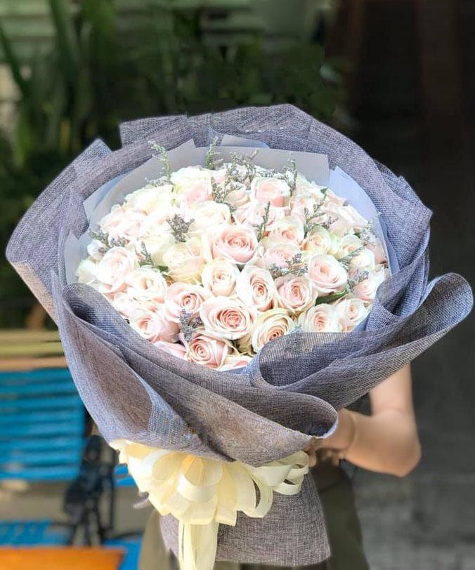 Bó hoa hồng kem BHT019