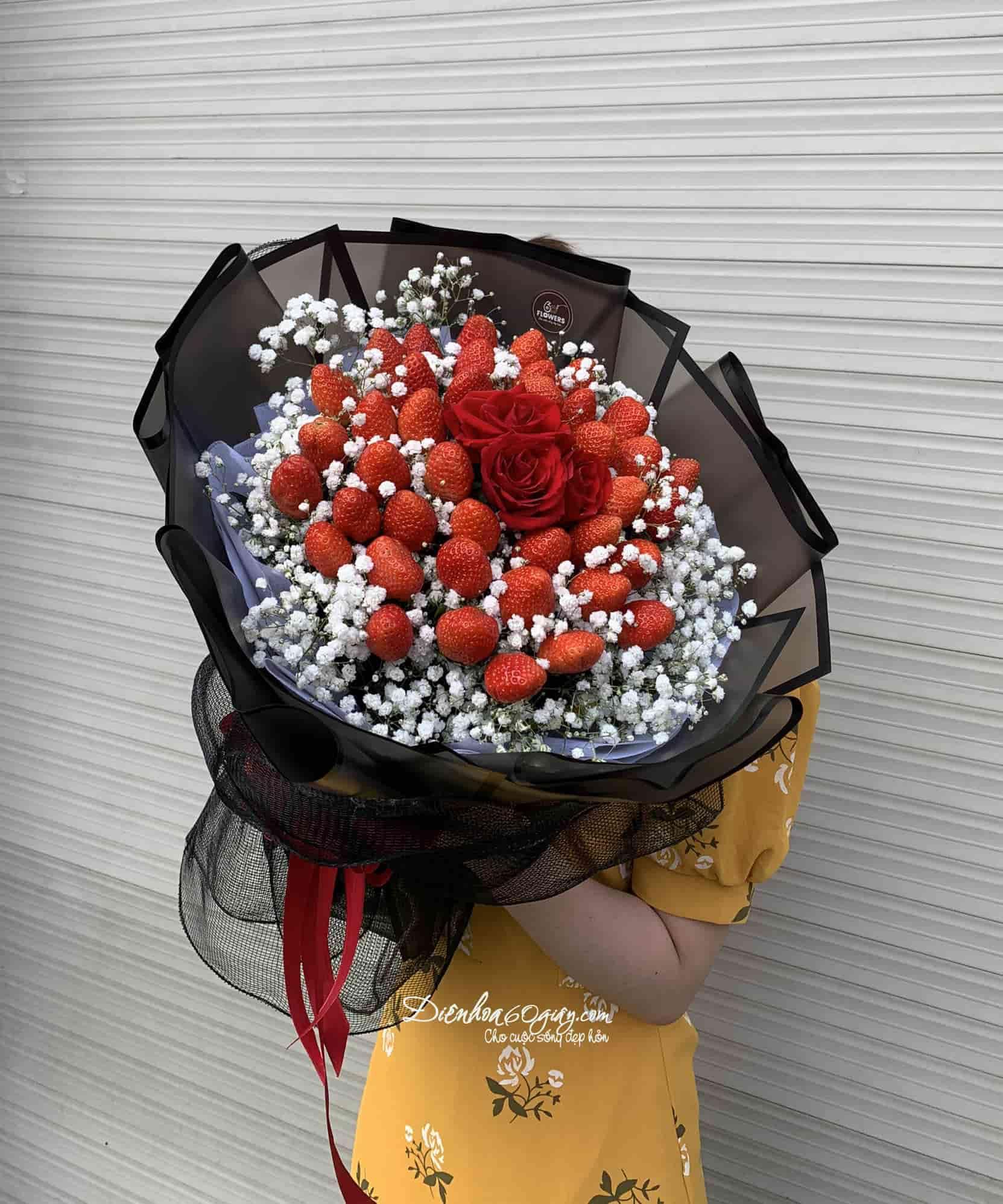 Bó hoa dâu tây 37