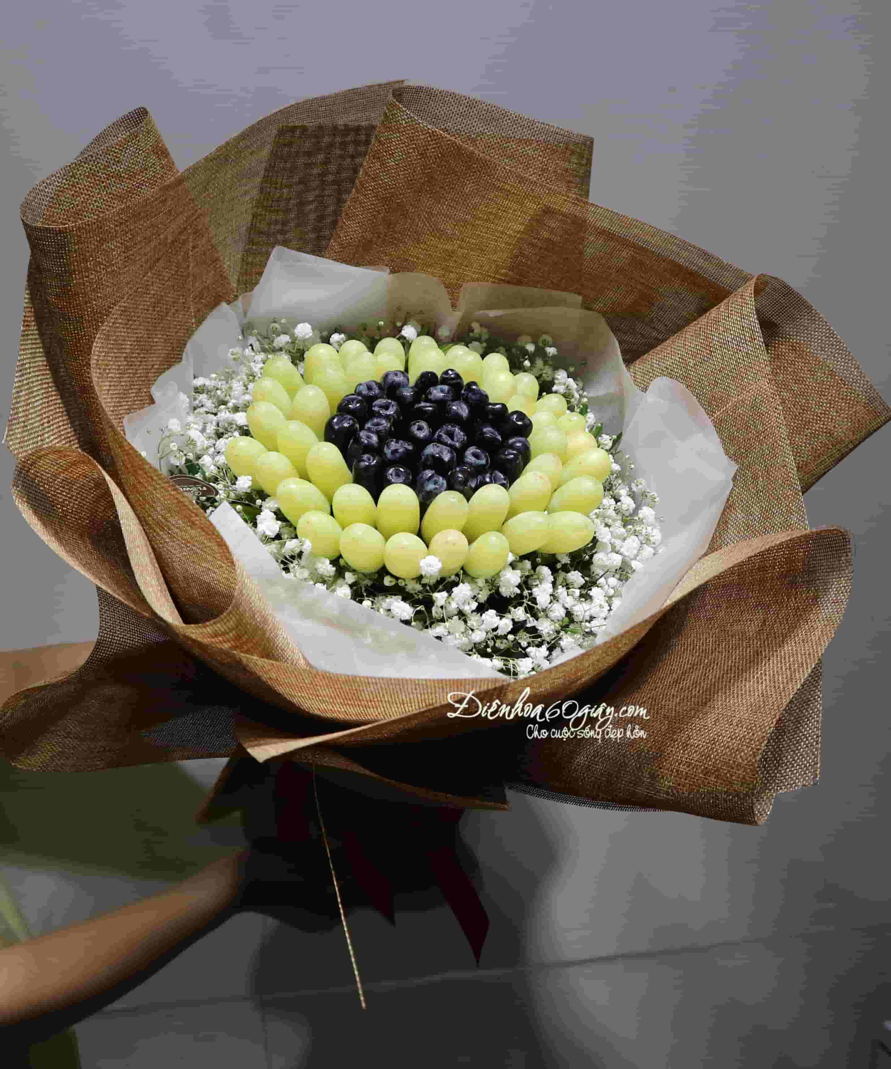 Bó hoa trái nho xanh