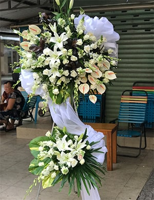 Lẵng hoa đi viếng HV025