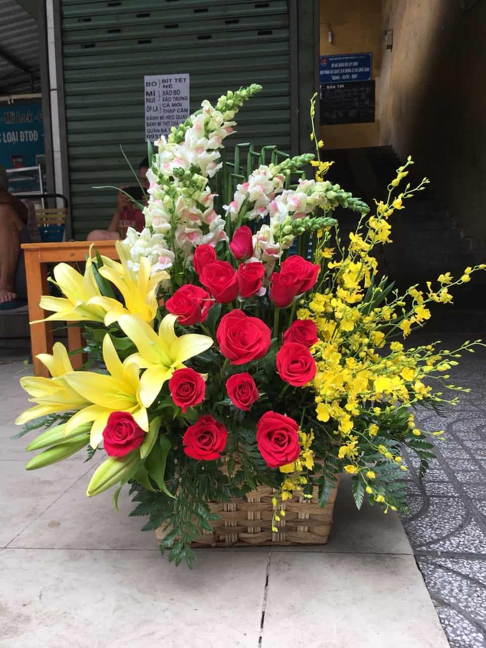 Giỏ hoa tươi GHT01