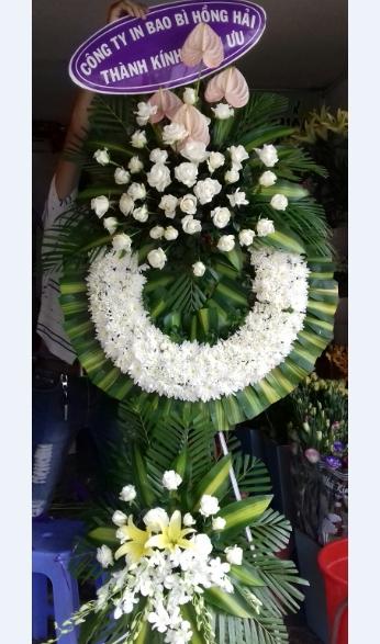 Vòng hoa đám tang HV030