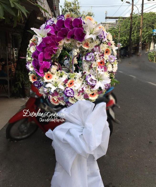 Hoa chia buồn HV018